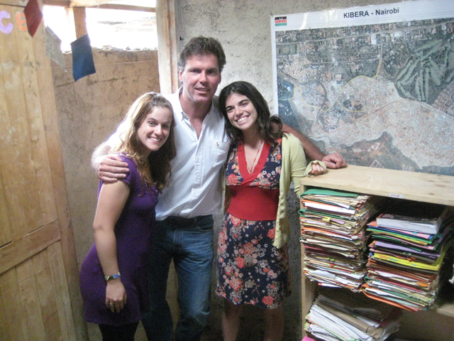 a photo of Prof. McAlear with students Leah Lucid and Arielle Tolman at Kibera